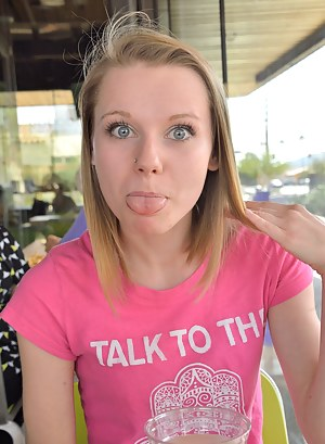 Free Teen Tongue Porn Pictures