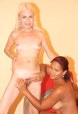 Free Lesbian Teen Interracial Porn Pictures